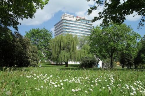Ramada Hotel & Resort Lake Balaton****